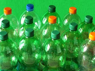 Der Newcomer PEF ist für die Herstellung von Kunststoffflaschen bestens geeignet. Bild: pixelio/Wolfgang Floedl